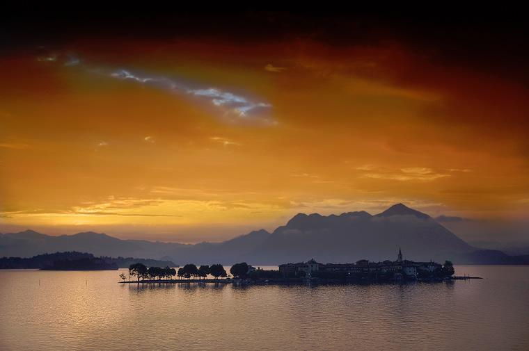 Alba sull'Isola dei Pescatori - Lago Maggiore