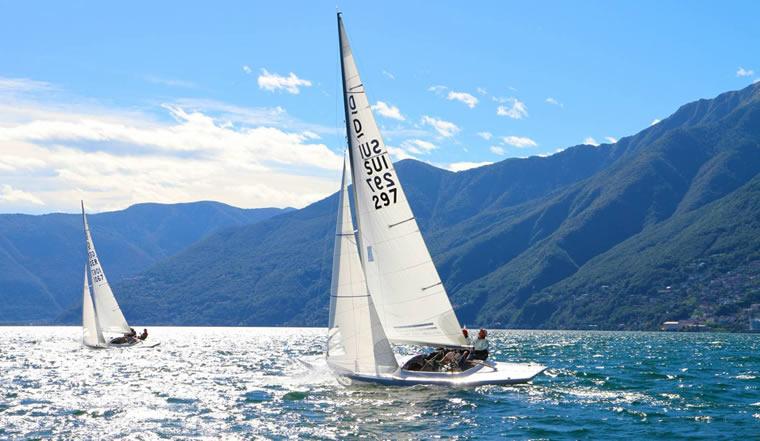 In barca a vela sul Lago Maggiore