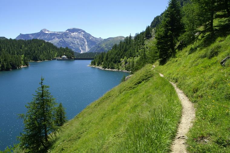 Lago di Devero sull'Alpe omonima