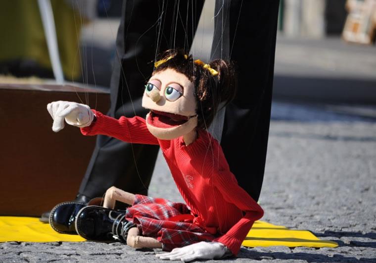 Burattini e artisti di strada ad Ascona