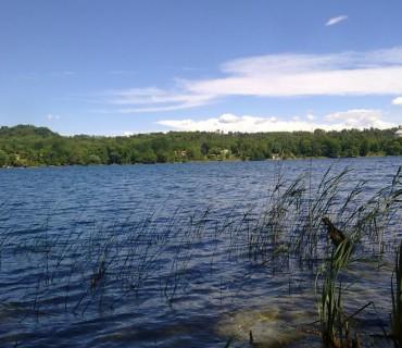 Il lago di Monate