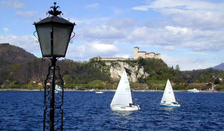 Barca a vela Lago Maggiore