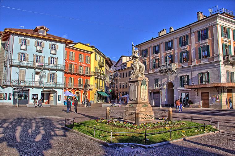Verbania Intra: piazza Ranzoni