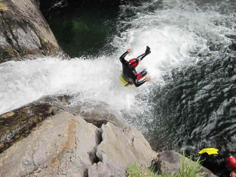Vertical Trek Canyoning