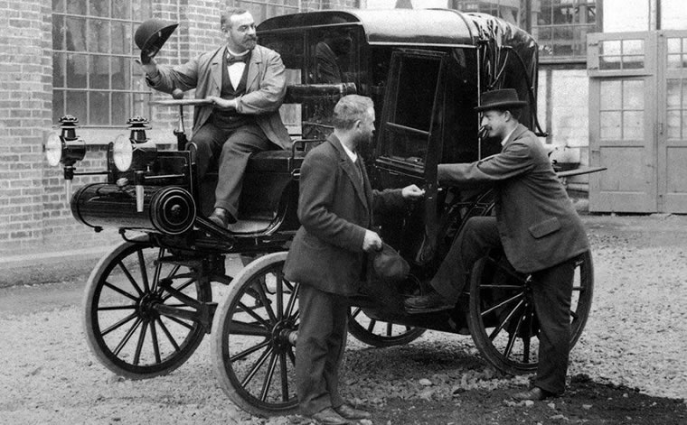 La Arona-Stresa torna dopo 120 anni con veicoli dell'800
